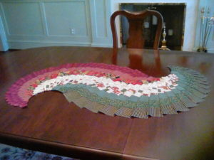 spiral-table-runner